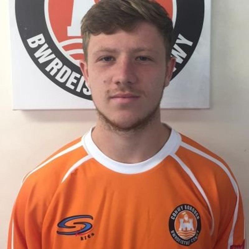 Anthony Marshall signs for Llandudno