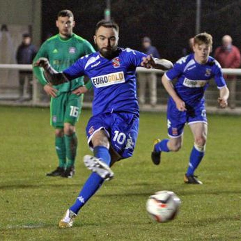 Robbie Parry signs for Llandudno