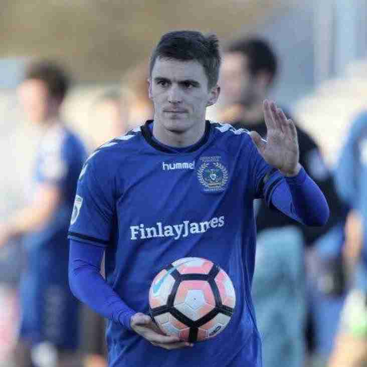 Mossley move for Morgan