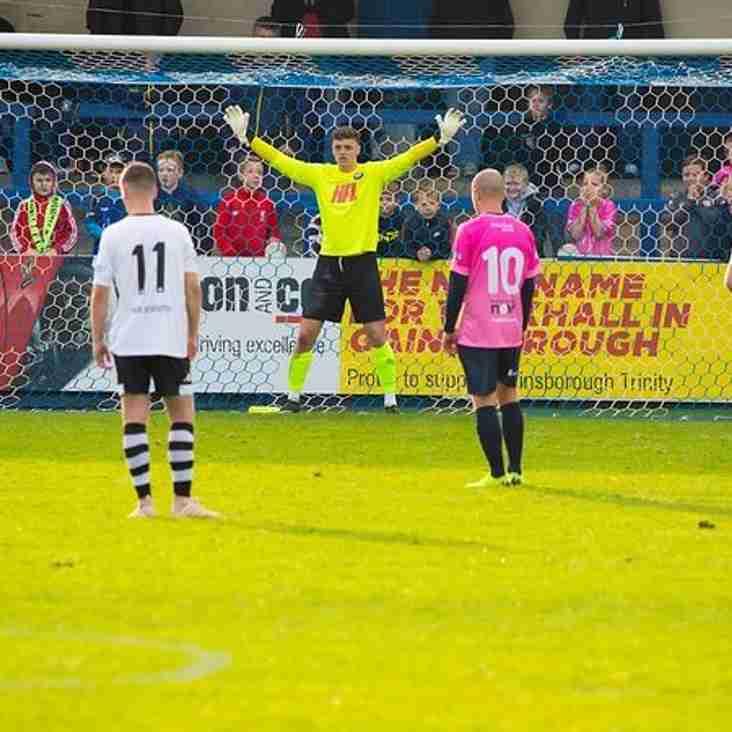 Goalkeeper leaves Colls