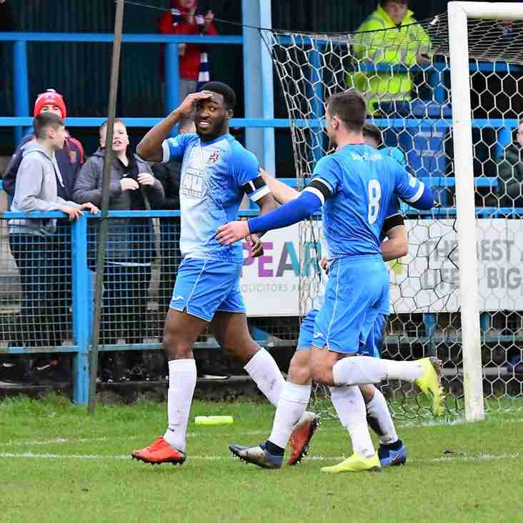 Darius Osei swaps Stalybridge for Mariners