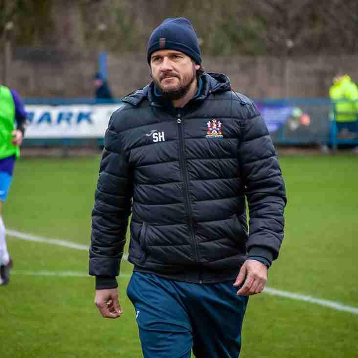 Simon Haworth signs new contract at Stalybridge