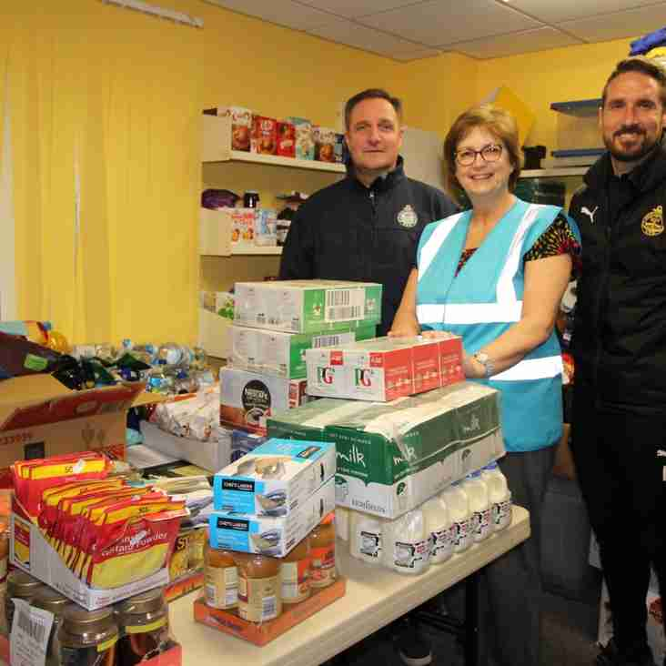 Mariners lend a hand in the community