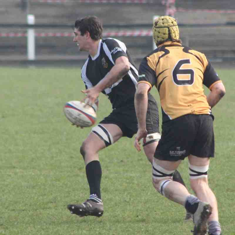 Otley 17 Luctonians 19