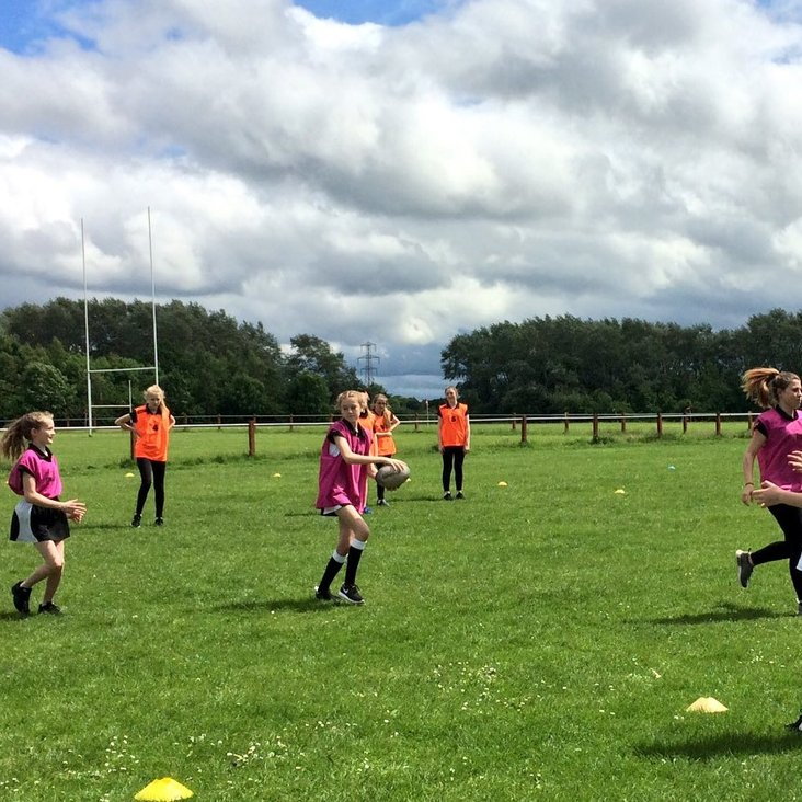 GIRLS&#039;  TRAINING  FOR  12-16  YEAR  OLDS<