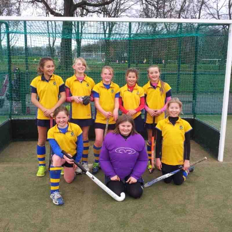 U12 girls A team:  From back left; Gabby Simpson, Penny Baker, Amy Flintoff, Olivia Borchard, Olivia Turner