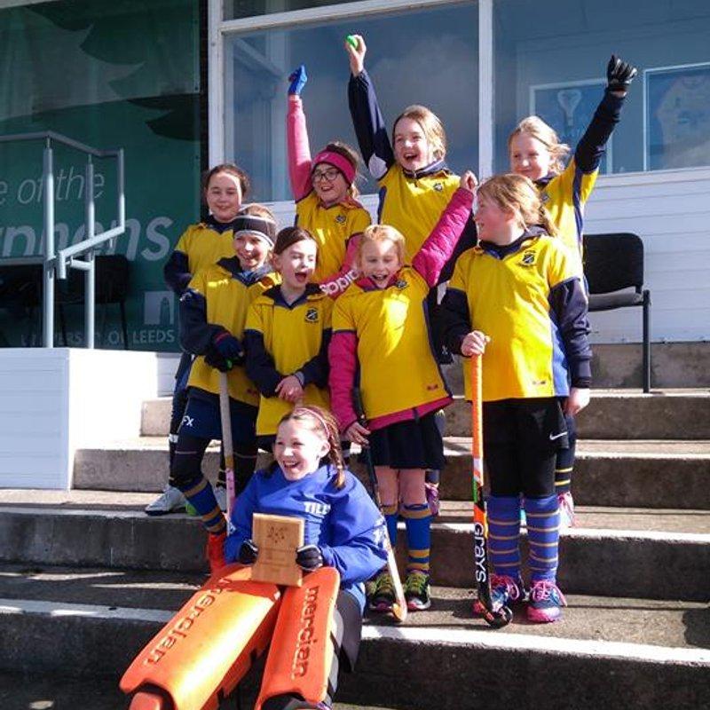 U10 girls at Weetwood.