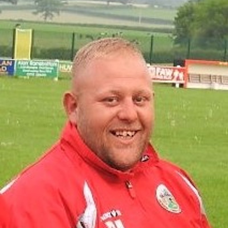 Assistant manager leaves Denbigh Town